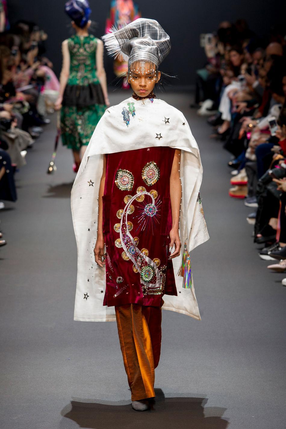 Défilé Manish Arora Fashion Week 2017 - Look 12