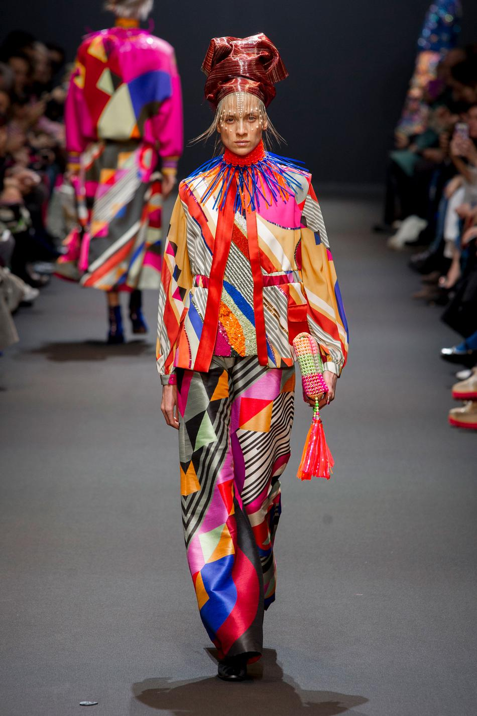Défilé Manish Arora Fashion Week 2017 - Look 17