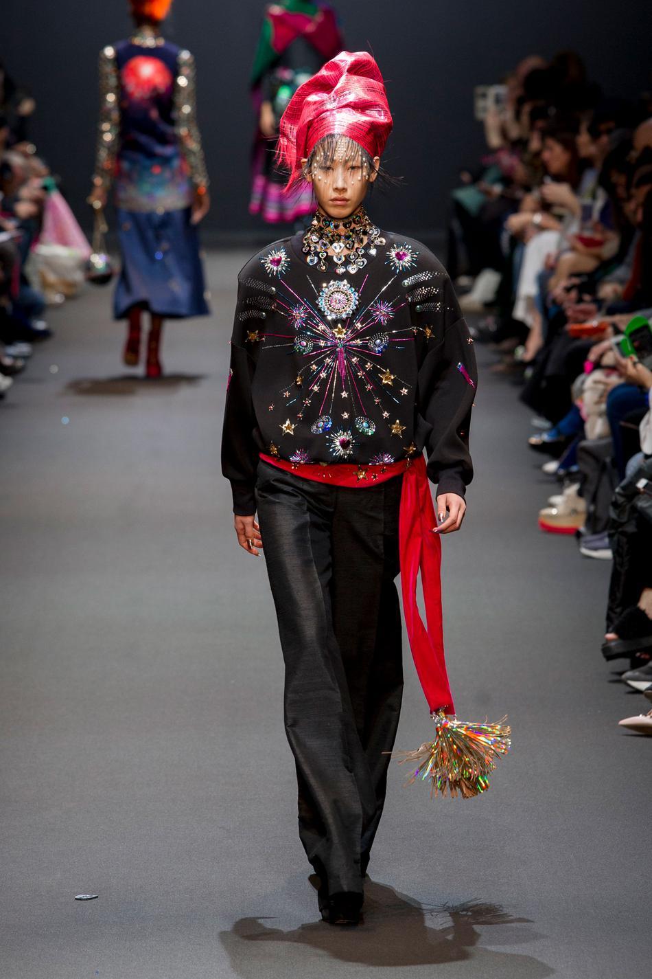 Défilé Manish Arora Fashion Week 2017 - Look 27