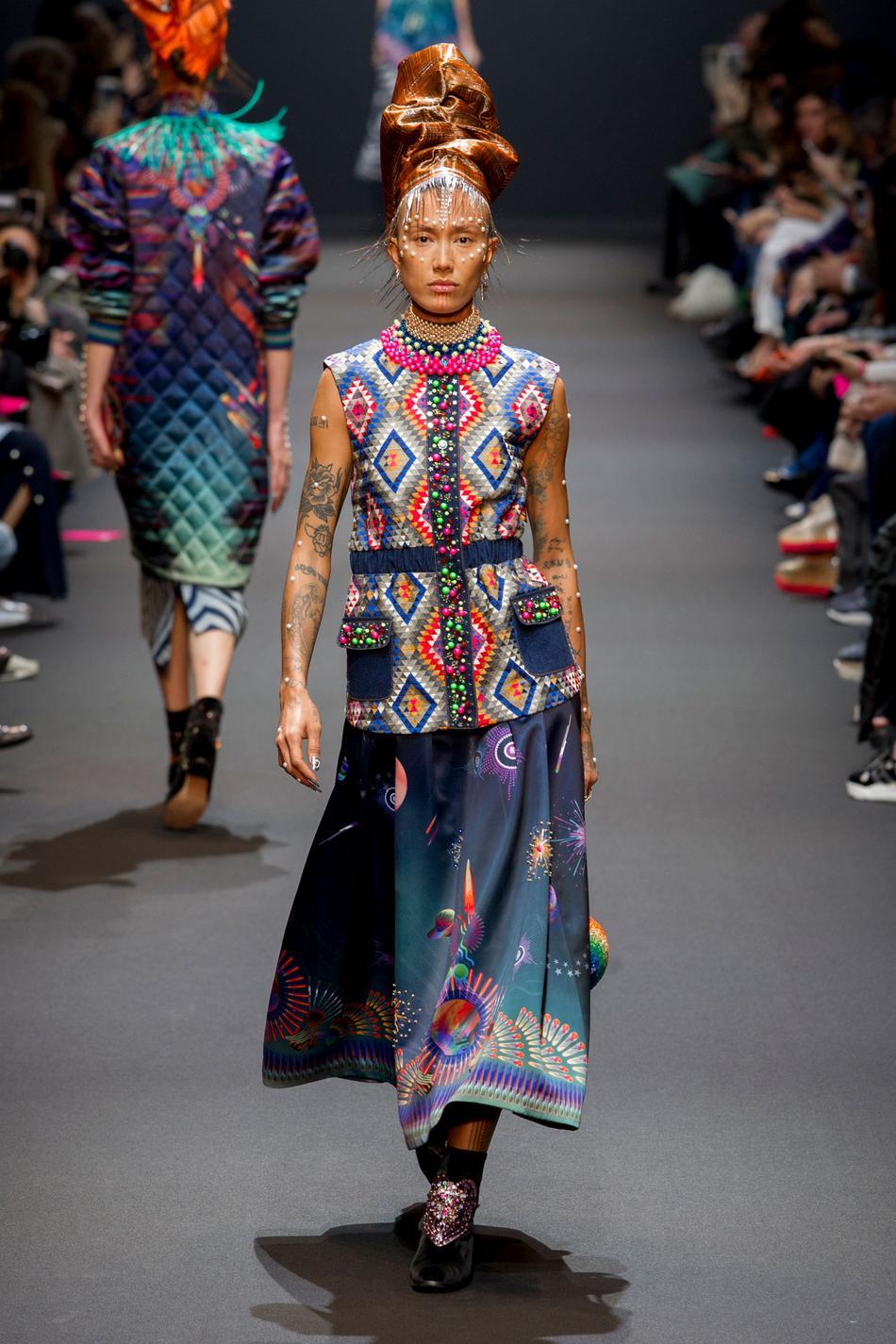 Défilé Manish Arora Fashion Week 2017 - Look 3