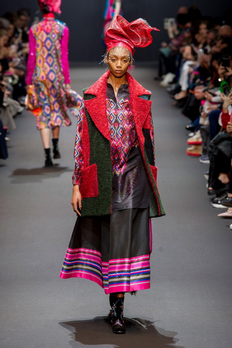 Défilé Manish Arora Fashion Week 2017 - Look 9